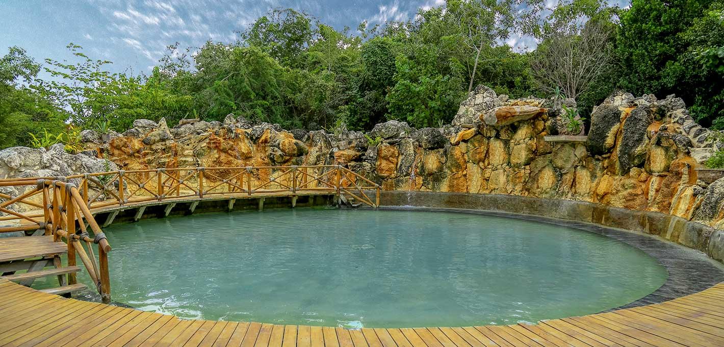 Cascada Azul Piscina Relax la mejor manera de relajarse