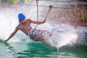 Zipline circuit with spectacular splash landing